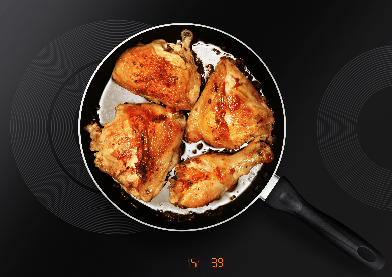 Frying pan with chicken
